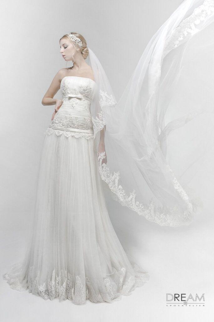 abito da sposa modello liberty