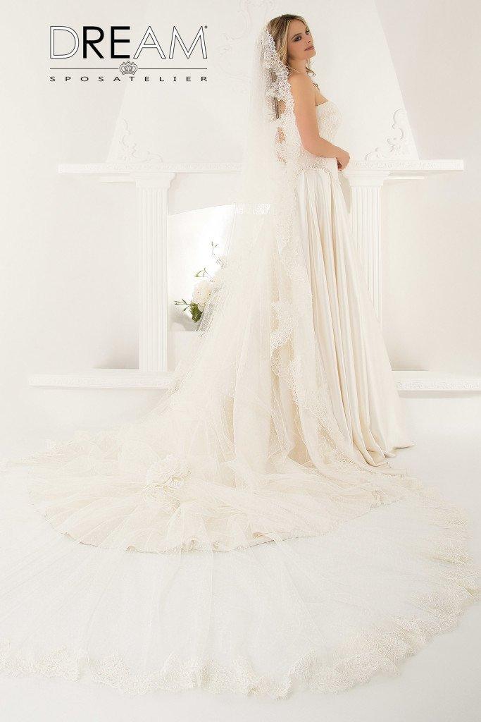 abito da sposa modello Aurora