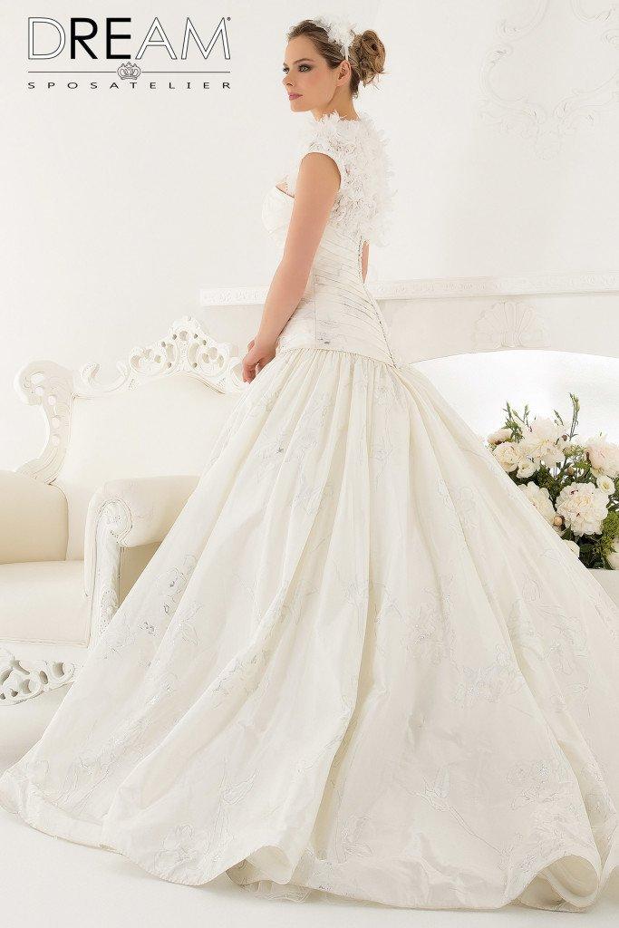 abito da sposa in tafta